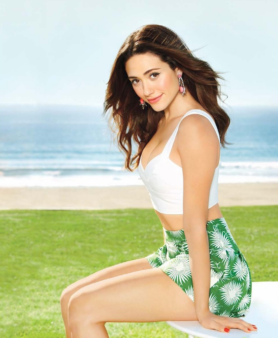 Emmy Rossum Hot Images, Sexy Near-Nude Photos