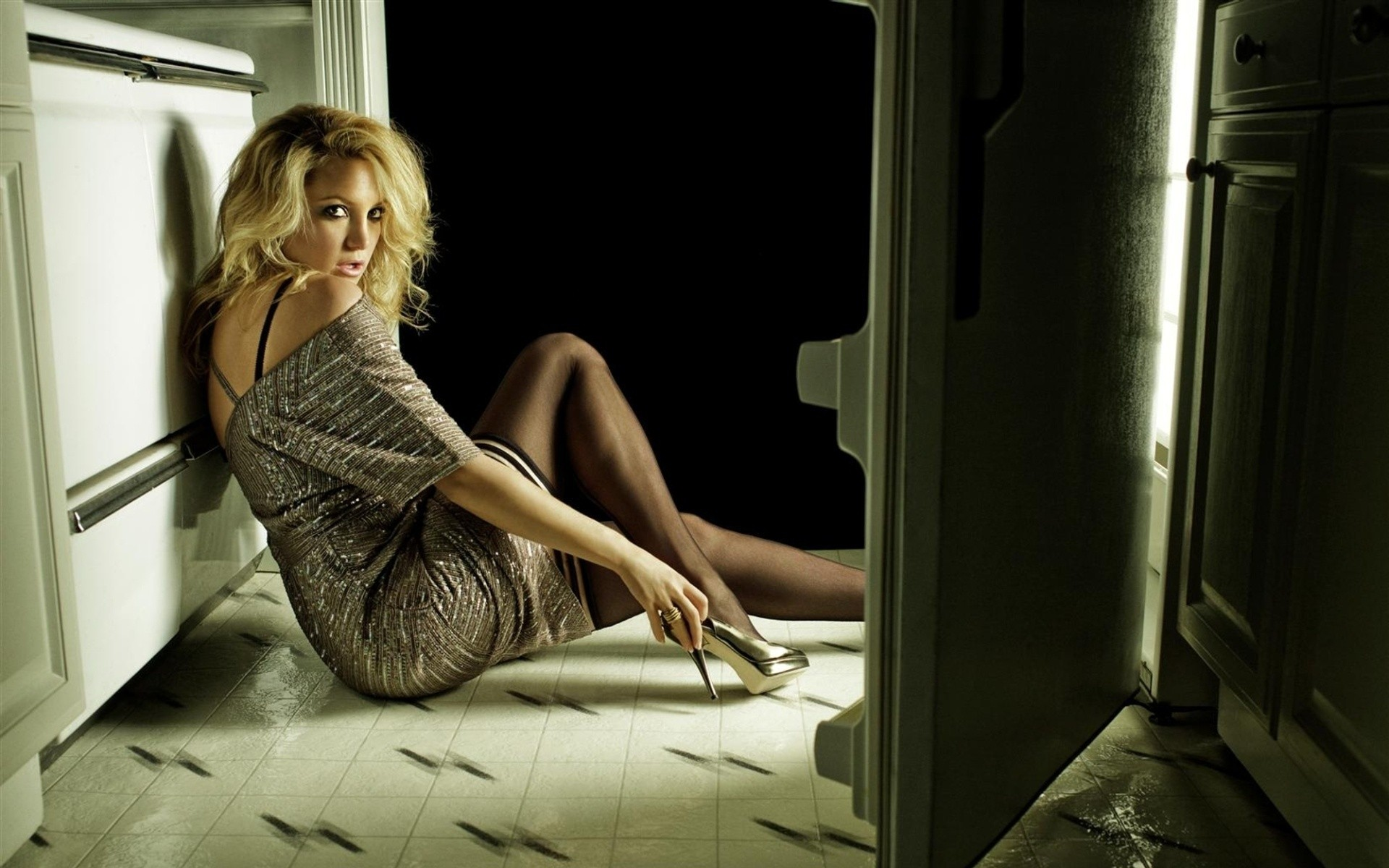 Kate Hudson Hot & Sexy Images, Topless Photos