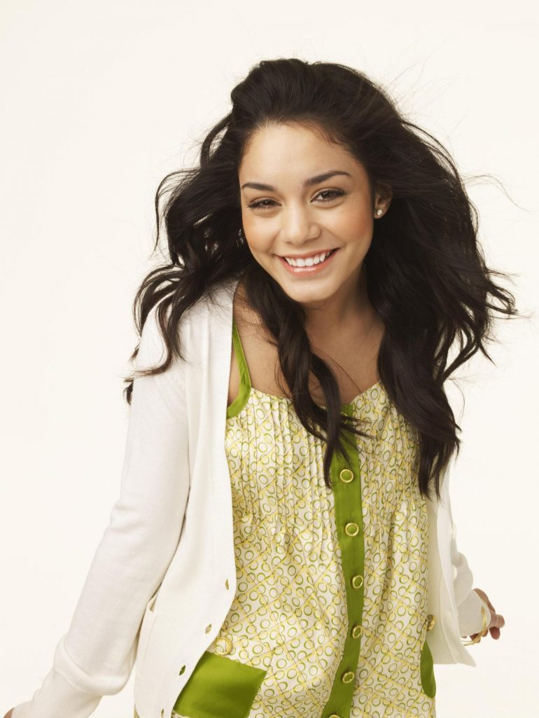 Vanessa Hudgens has completely lost contact with Zac