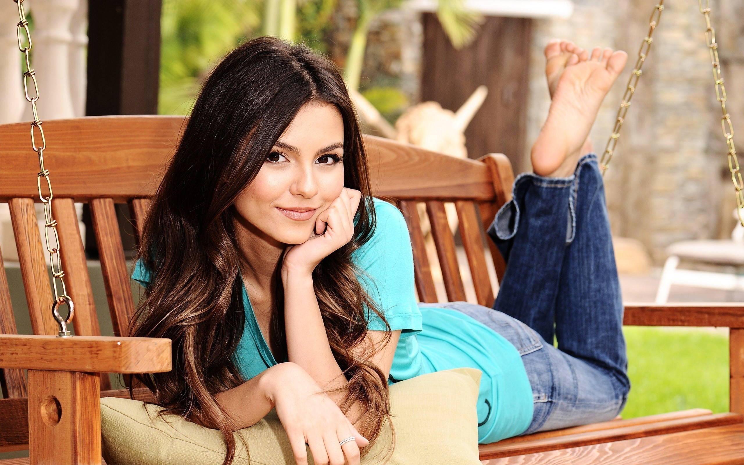 Victoria Justice Hot Bikini Pictures, Sexy Images, Videos