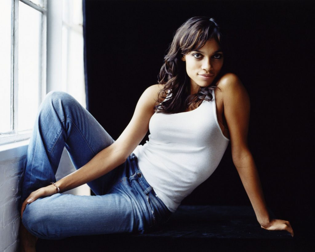 Rosario Dawson Hot Bikini Images, Topless Pictures Gallery